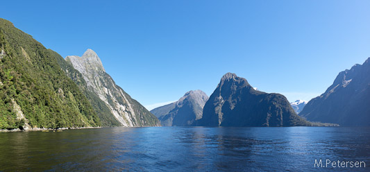 Mitre Peak, The Elephant, The Lion und Harrison Cove - Milford Sound